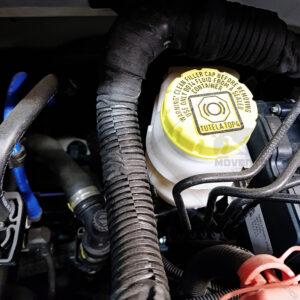 controllo livello olio freni