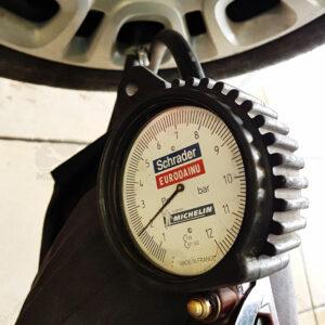 controllo pressione pneumatici tagliandato