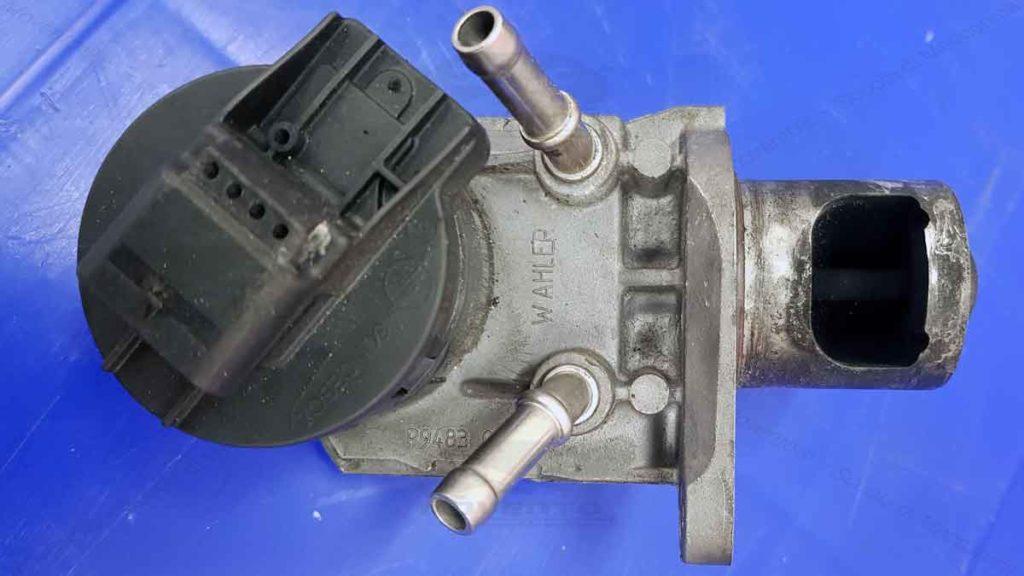 Toyota-Yaris-1.4-egr-costo-problemi-pulizia-spray-per-pulire-additivo-prodotto