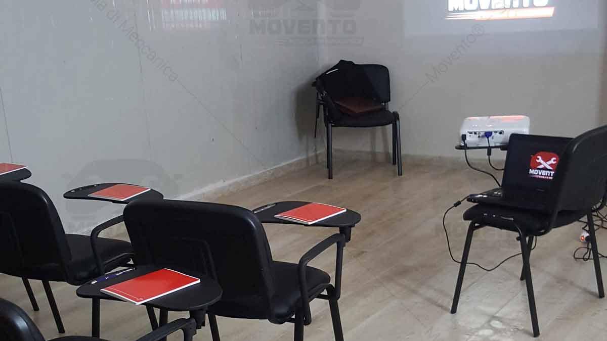 aula-teoria-laboratorio-pratica-oleodinamica-scuola-autorizzata-sassari